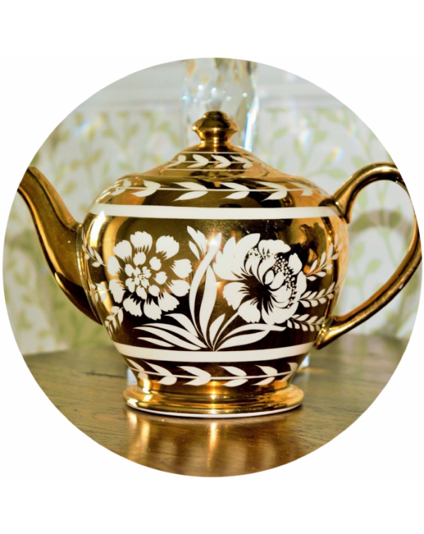 (OUT OF STOCK) SADLER GOLD LARGE VINTAGE TEAPOT
